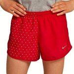 pantalón deportivo corto de niña fabricado con material reciclado marca Nike